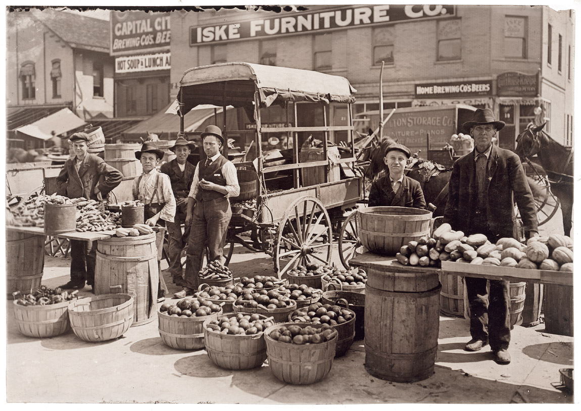 indianapolis-indiana-farmers-market-1908-sellers-stall-united-states-historical-edwardian